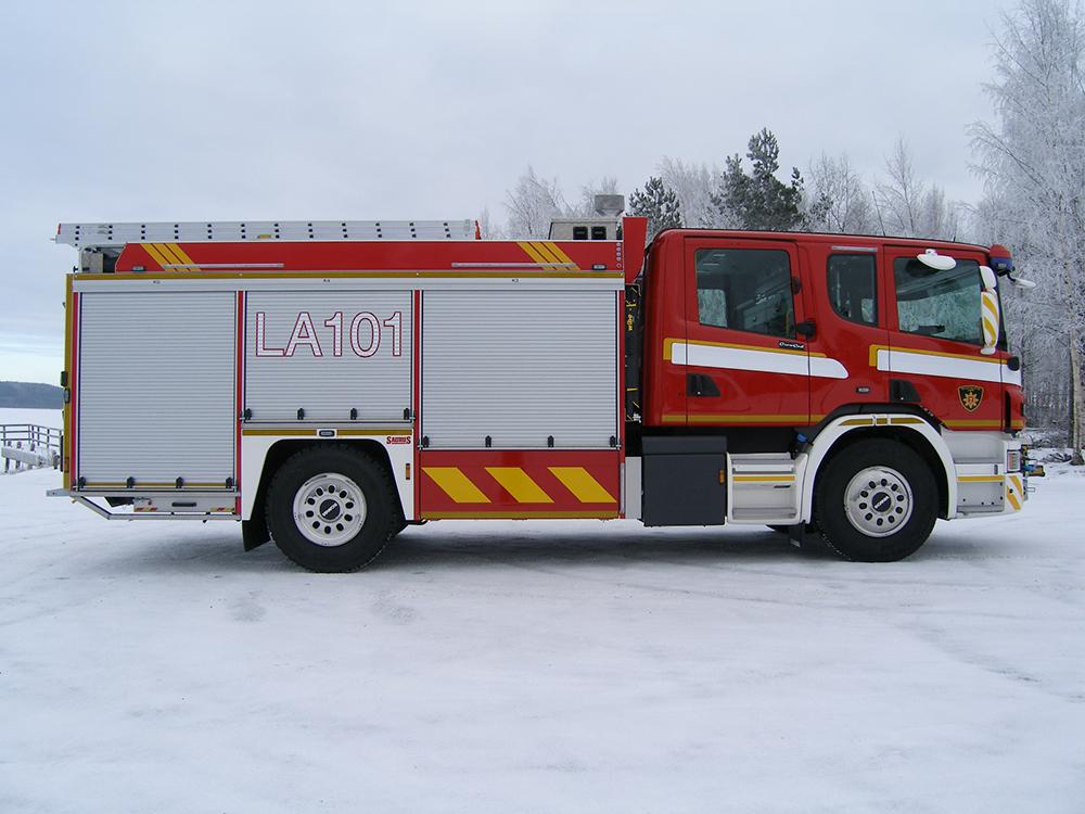 Saurus FSC27/2 -sammutusauto Lapin pelastuslaitokselle